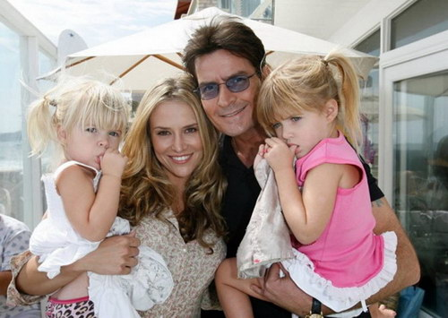 Charlie Sheen, his wife and babies